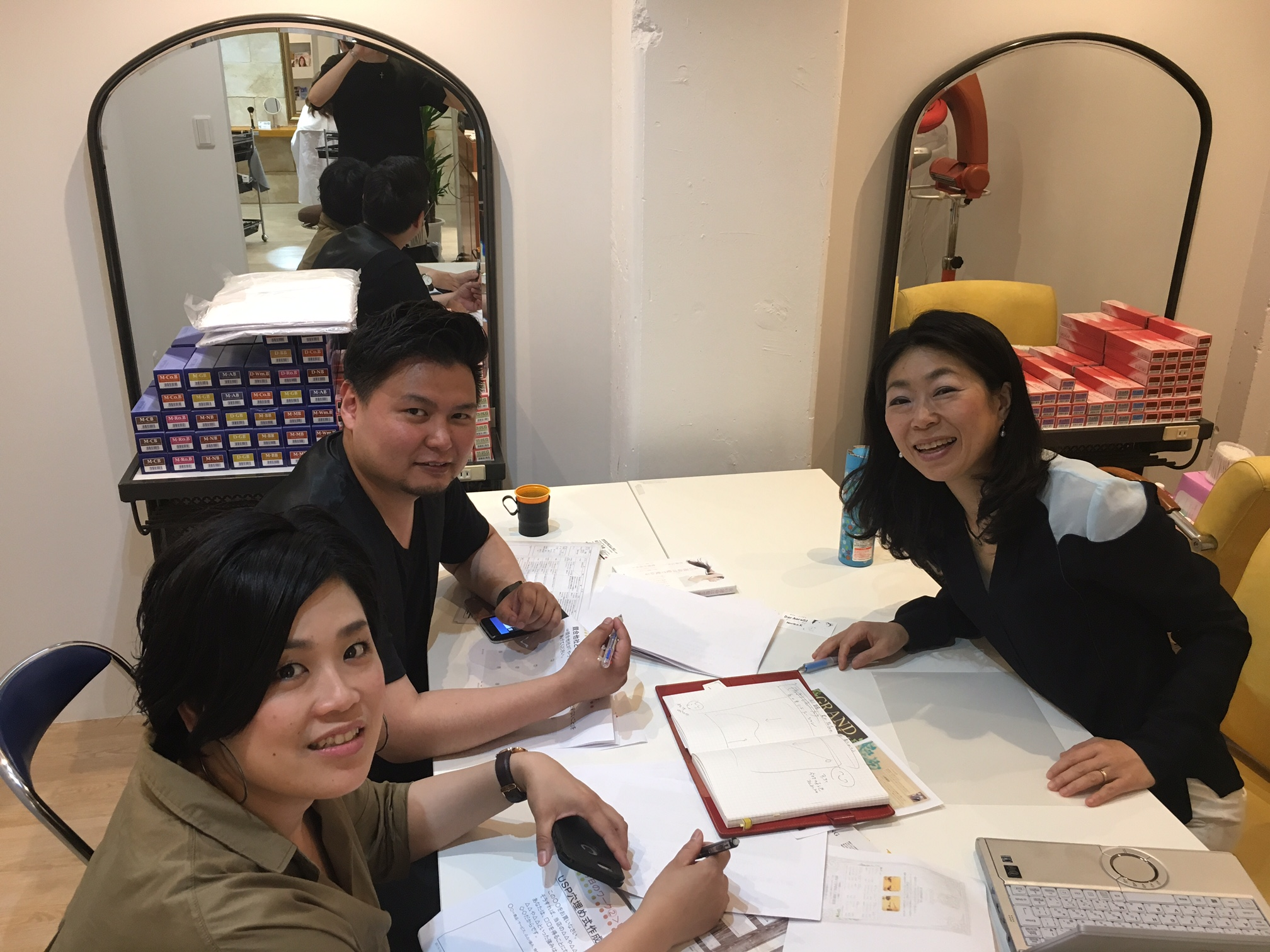 美容業界を俯瞰的にみたお話しができることが、和田のセミナーの強みです。 お客様ときらきらした関係づくりをしてゆくための、準備、楽しくしたい方とお目にかかれると嬉しいです。