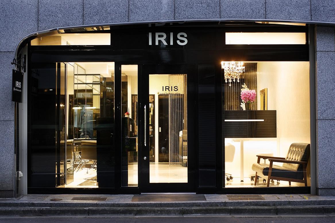 外国ブランドの高級ブティック店舗のようなデザインの美容室施工事例