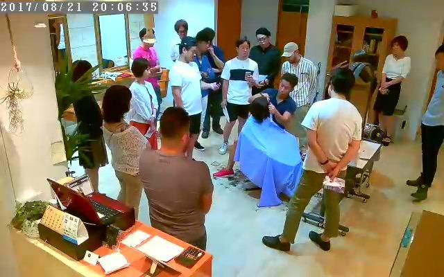 8月21日に、藤沢のシェアリングサロンfrangeで行われたドライカット講習会の様子です。